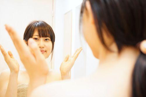 注目!顎ニキビ改善のお勧めはコレ!美容成分で美肌、予防にも