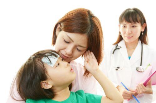 ヘルパンギーナの症状や治療とは?手足口病やプール熱との違い